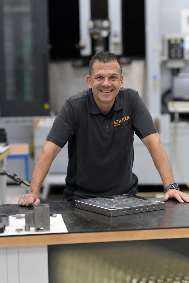 Sven Stoffelen, general manager productie Nefratech EDM-Center